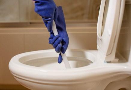 Cara Ampuh Mengatasi Saluran dan Kloset Mampet Di Toilet